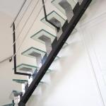 30_Escalier_acier__inox__verre_D3439
