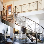 stainless_staircase_curved-04532@1500f1500